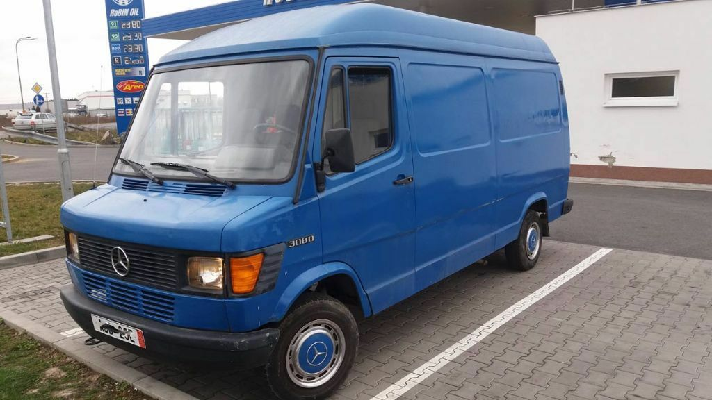 Left hand drive mercedes benz 308d t1 lhd van long for Mercedes benz camper vans for sale