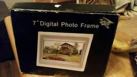 Brand new 7 in digital photo frame