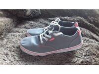 Ladies/ Girls Vans Shoes, size 4.5