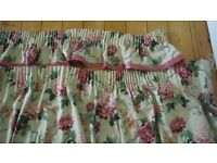 Quality lined flower design curtains with pelmet 9' x 6'