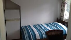 Room to rent furnished