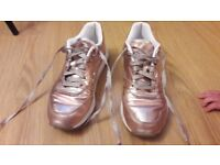 REEBOK FRUITION rose gold Limited Edition