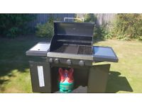 Cadac Stratus 3 Gas Barbeque with FREE Gas bottle and cover