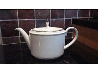 Vera Wang Wedgewood Grosgrain teapot