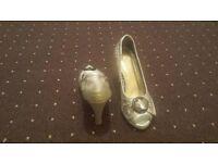 Womens heeled