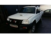 breaking white mitsibushi l200 4 work double cab 4x4 parts spares