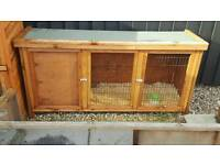Rabbit hutch excellent condition
