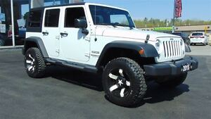 2015 Jeep WRANGLER UNLIMITED EXTENDED WARRANTY - ONLY 22,000 KMS