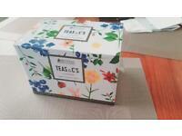 Teas & C's Teapot with Contessa Design - perfect gift option