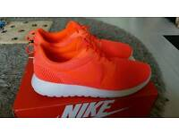 100% Genuine Mens Nike Roshe One Uk Size 10