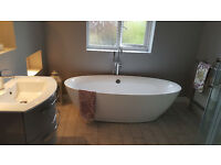 freestanding white bath