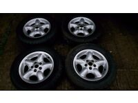 """Set LAND ROVER FREELANDER 16"""" ALLOY WHEELS AND TYRES good condition DELIVERY available"""