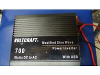 Inverter 700 by VOLTCRAFT with connections.