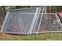 ALMOST NEW HERAS FENCE PANELS/ GARDEN FENCE PANELS WITH HEAVY DUTY FEET/BLOCK