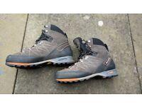 Scarpa Marmolada Pro walking/hiking boots - Men's size EU 42 - UK 8