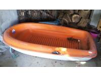 Tender/rowing boat £100 0N0