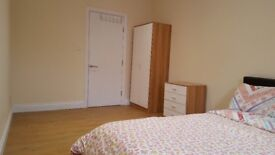 To rent a large double bed room with modern facilities.