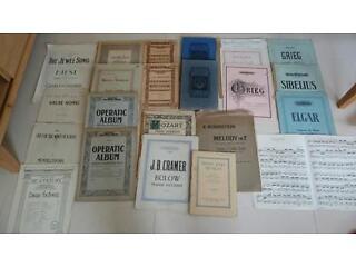 Vintage piano music classic and opera - mozart, bach, strauss, elgar, handel, greig, sibelius + more