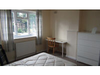 DOUBLE Room for rent in a attractive spacious 4 Bed house in Uxbridge near Brunel & Stockley Park C2