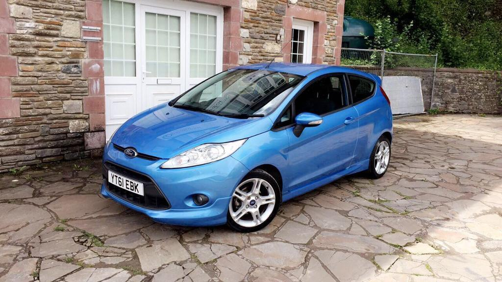 Ford Fiesta Zetec S 1.6 tdci 50mpg excellent condition in & out long mot