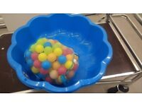 Starplast Sunflower Pool with bag of balls