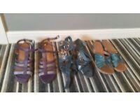 Ladies sandals size 4
