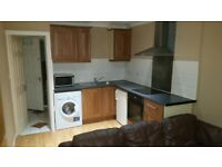 1 Bed place-Ensuite-Lounge-Kitchen-SkyHD-WIFI