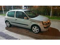 Renault clio 1.2 16v immaculate