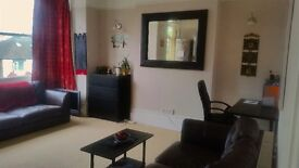 Beautiful and spacious 2 Bedroom Flat with open-plan Kitchen and large living room 1,475£ PM