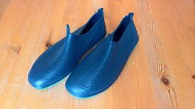 Blue Aqua Shoes – Size 4.5