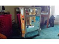 For sale we ha e a beautiful venetian glass cupboard with glass door knobs
