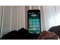 i phone 7 unlocked please read full discripation