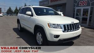 2012 Jeep Grand Cherokee Laredo 4X4 Leather, KeylessGo, Power Dr