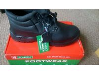 NEW with box SAFETY SHOES ideal for WAREHOUSE, steel toe,anti-slip/static size 10 (44) BARGAIN!