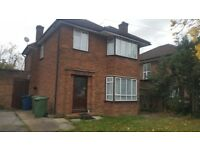 ***BEAUTIFUL SPACIOUS 3 BEDROOM DETACHED HOUSE READY TO MOVE IN PINNER (HA5) PART/DSS WELCOME