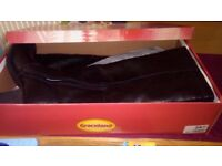 Ladies Knee High Black Boots Size 7 - New Boxed