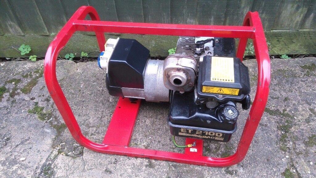 2.2Kva Briggs and Stratton Petrol Generator dual voltage 110/240v