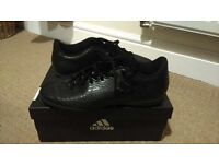 Adidas 16.4, size 6 carbon effect trainers
