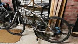Trek 7100 fx small frame mens or ladies hybrid bike aluminium frame