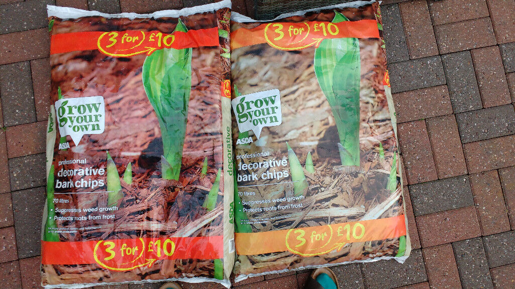 Decorative Bark – 2 bags for£ 5