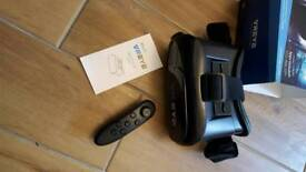 Bitmore virtual reality headset with remote