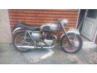 1956 Triumph 650cc 6T in need of restoration