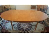 VINTAGE EXTENDABLE WOODEN DINING TABLE
