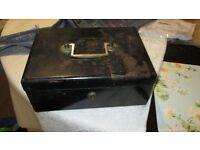 OLD HEAVY METAL BOX