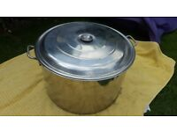 Large 60 litre stockpot with lid in good condition. Used for homebrewing