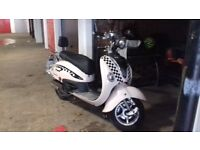 125cc moped. Lexmoto Valencia