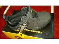 Safety shoes size 4/37