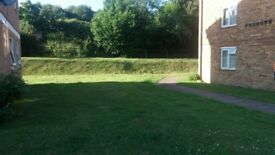 Large 2 bedroom flat with communal space ground floor
