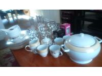 Various kitcheware items