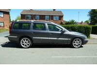 Volvo D5 SE in Immaculate Condition, Fully Loaded!